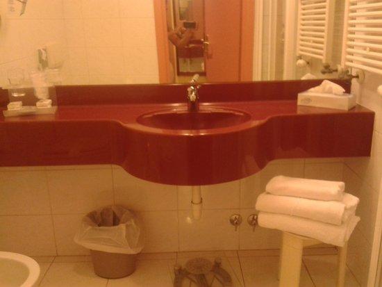 Best Western Plus Hotel Genova : bathroom 1