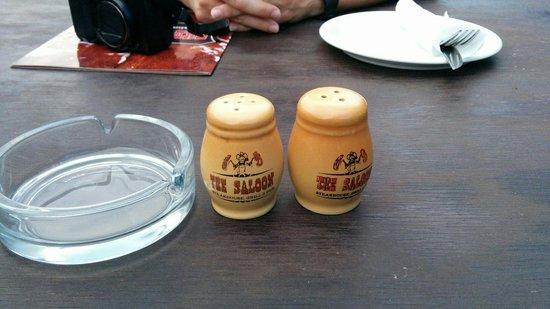 The Saloon : Pfeffer & Salz (was sonst?)