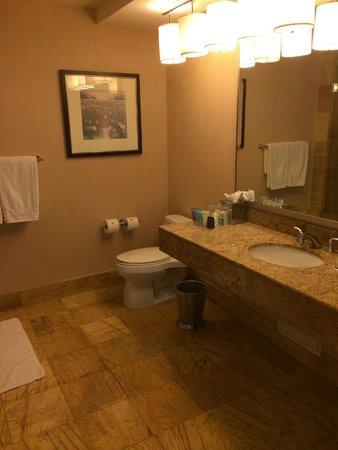 Conrad Miami : Bathroom