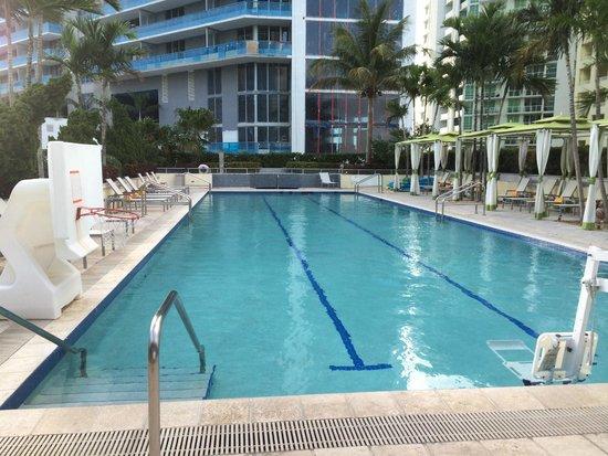 Conrad Miami : Pool