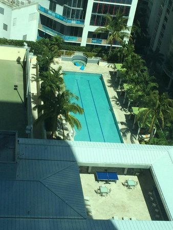 Conrad Miami: View on the pool from 18th floor