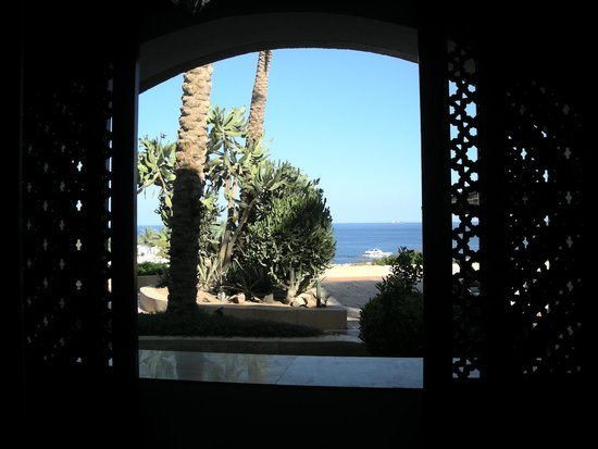 Domina Coral Bay Prestige Hotel: Fotografia scattata dal letto della camera