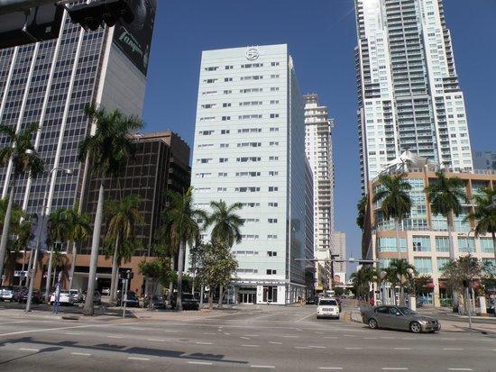 YVE Hotel Miami: Façade de l' hôtel