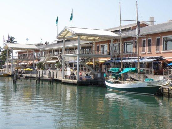 YVE Hotel Miami: Bayside market