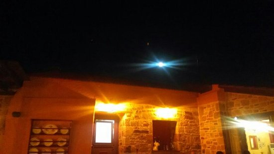Roussiko : Moon letting the place even more beatiful and romantic