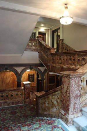 Hotel Russell: staircase