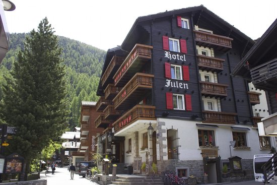 Romantik Hotel Julen : More inside than you would expect.