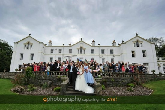 A Picture-Perfect Wedding Setting