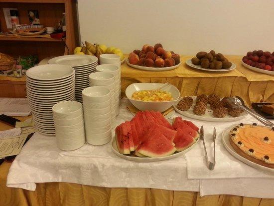 Aragona Palace Hotel: i dolci e la frutta
