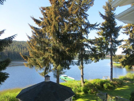 Auke Lake Bed & Breakfast : View from our room.