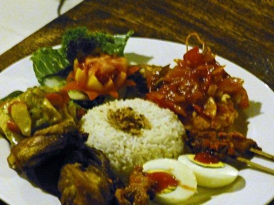 The Awan Villas : Indonesische Reistafel aus der Speisekarte