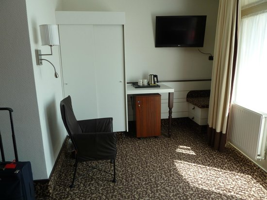 Golden Tulip Hotel Central: Bedroom