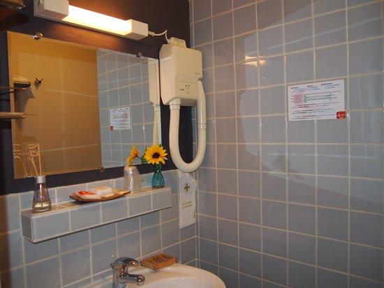Hôtel du Croisé : salle de bain