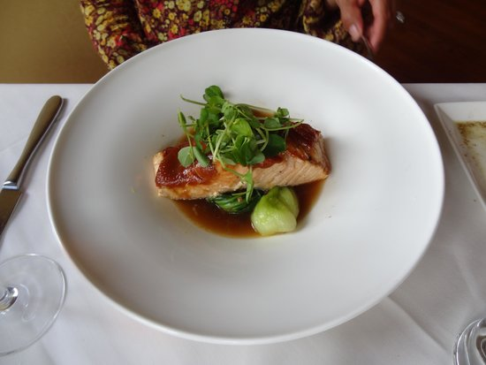 The Jamesport Manor Inn: Salmon