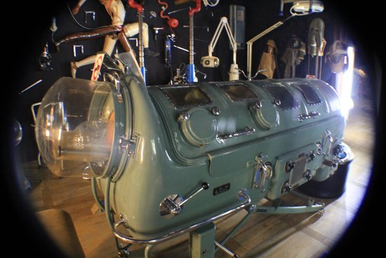Designpanoptikum: Iron lung, a new look at an old history
