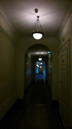 Quirinale Hotel: couloir direction chambre