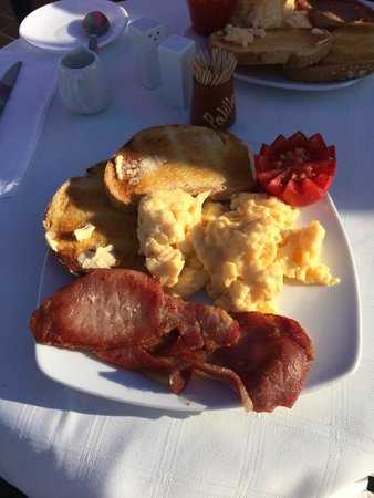 Hostal Miguel: Superb Breakfast... Just one of the many options
