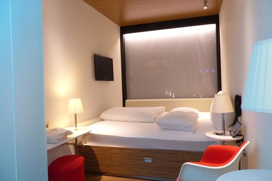 citizenM London Bankside: citizenM modularised rooms