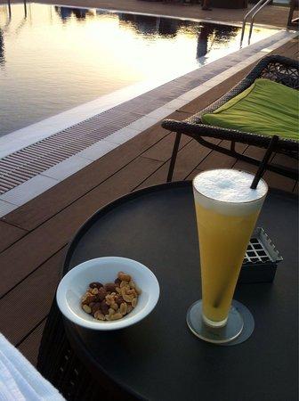 Melia Dubai Hotel: Piscina en azotea