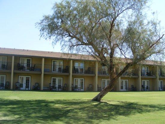 Furnace Creek Inn and Ranch Resort : Exterior