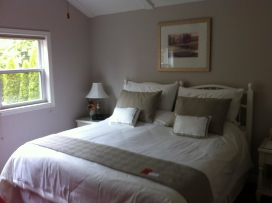 Victoria Gables Bed & Breakfast: Rose room