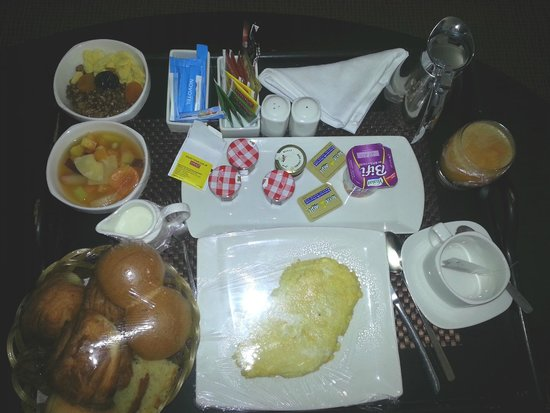 Novotel Mohamed V : Breakfast was very poor quality