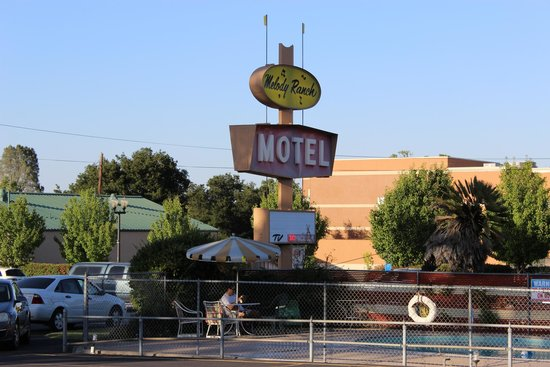 Melody Ranch Motel: Friendly rest in the foothills