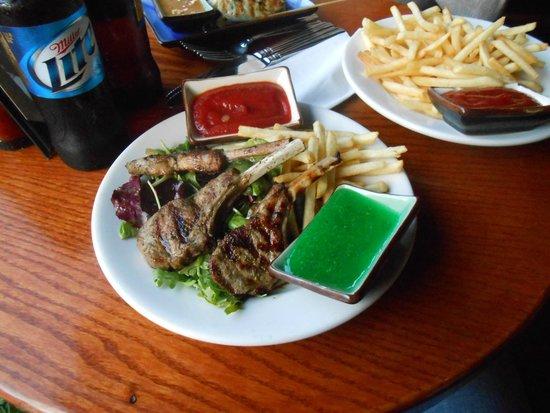 Sunset Trocadero Lounge: lamb chops