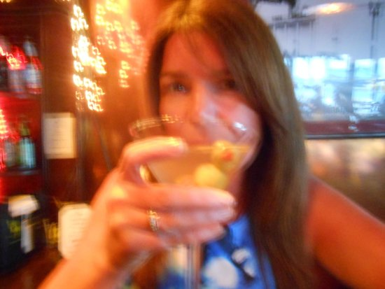 Sunset Trocadero Lounge: dirty martinis, happy hour