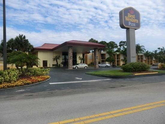 Best Western International Speedway Hotel : Best Western Plus Daytone Speedway