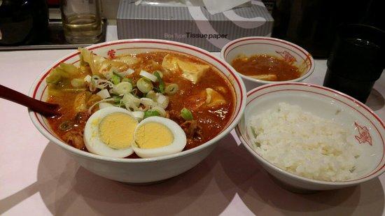 Moko Tanmen Nakamoto Shinjuku: 五目蒙古タンメンと麻婆定食