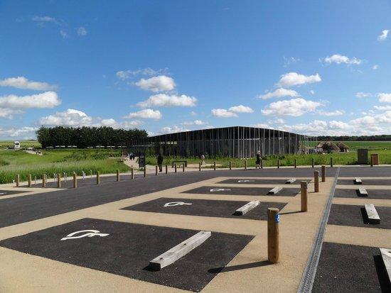 Stonehenge: Der Parkplatz mit Blick auf das Visitor Center.