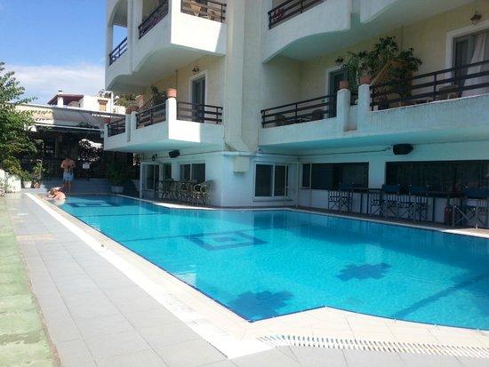 Saga Hotel Studios & Apartments: The Saga pool