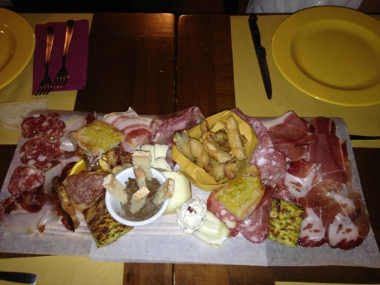 Taverna dei Briganti: The platter of all platters!  Order this!
