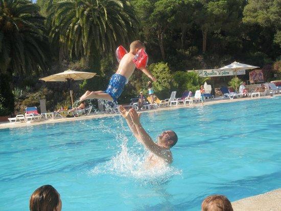 Camping Village Rosselba le Palme: piscina