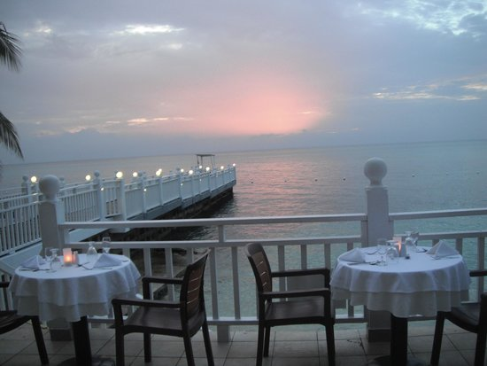Royal Decameron Montego Beach : sun set from dining room