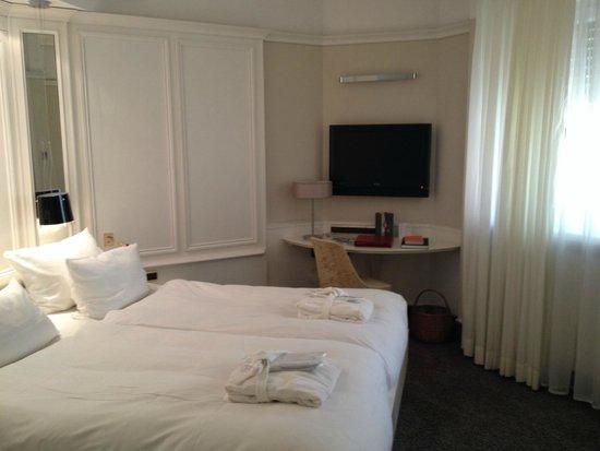 Le Parc Hotel Restaurant & Spa : Chambre