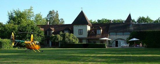 La Bichonniere Chambres d'Hotes : Côté nord, vue du jardin