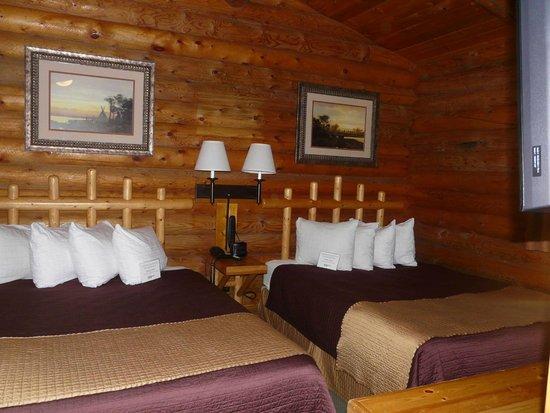 Cowboy Village Resort : Our bedroom