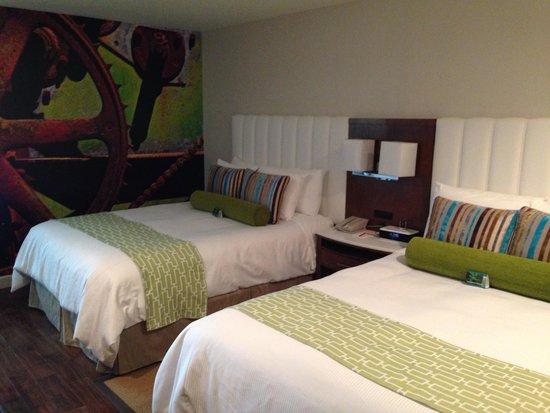 Hotel Indigo Anaheim : Room