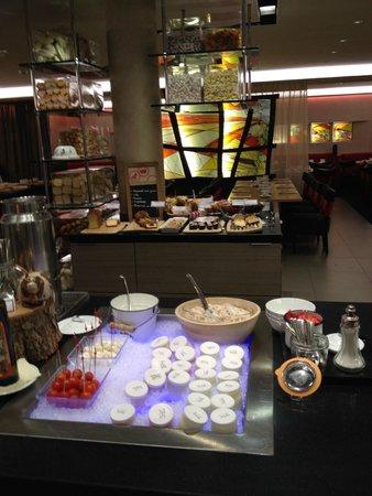 Le Parc Hotel Restaurant & Spa : Petit-déjeuner