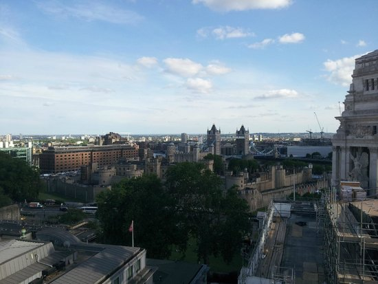 DoubleTree by Hilton Hotel London -Tower of London: View from the Skylounge