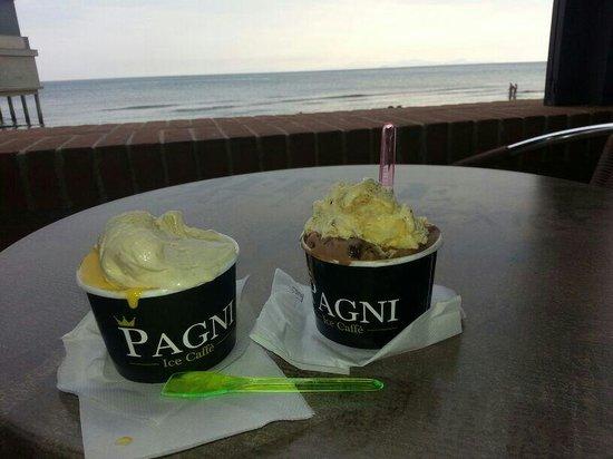 Il gelato sul mare di follonica - Foto di Terrazza bar gelateria ...