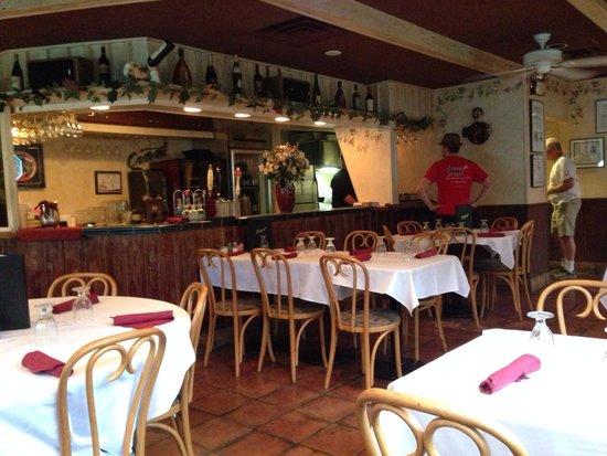 Ciao Italia Casual Italian : Dinning area