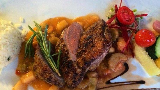 BOLERO Restaurante: Entenbrust auf Rhabarber-Papayachutney