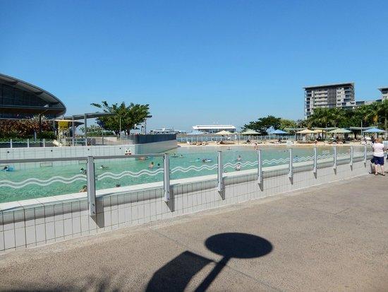 Wave lagoon