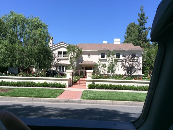 Starline Tours: Lucille Ball's Home