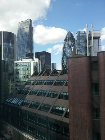 DoubleTree by Hilton Hotel London -Tower of London: View from our room