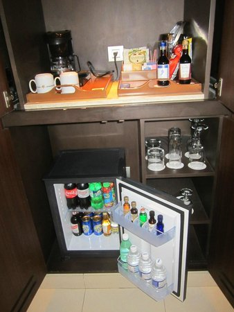 Iberostar Grand Hotel Rose Hall: in room mini bar
