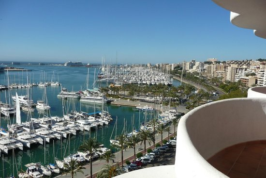 TRYP Palma Bellver Hotel : From balcony Room 9/7 to the Port